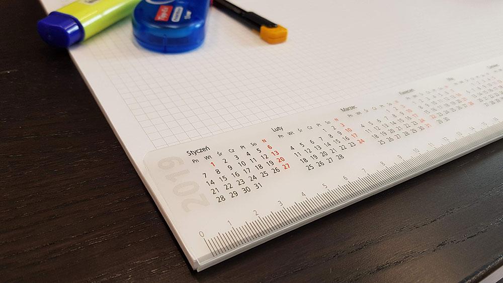 456cf7e1dfe9 BIUWAR kalendarz notes na biurko ...